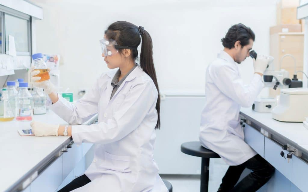 7 Top Technology Trends Shaping the Future of the Pharma Industry